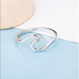 Jewelry - 🌊925 Silver Wave Ring! 🌊